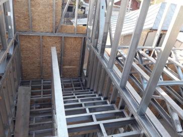 executie scara metalica in 2 rampe proiect de casa 130-088