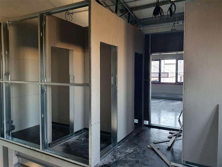 placari interioare gips carton pentru proiect spatii birouri in hala productie