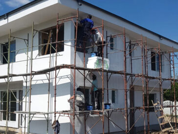 Constructie casa 155mp aplicare tencuiala decorativa structurata